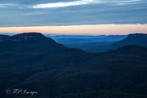 The Blue Mountains - living up to their name!