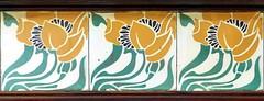 Vilafranca del Penedès - Estació e (Arnim Schulz) Tags: modernisme barcelona artnouveau stilefloreale jugendstil cataluña catalunya catalonia katalonien arquitectura architecture architektur spanien spain espagne españa espanya belleepoque art kunst arte modernismo building gebäude edificio bâtiment faïence carreau glazed tile baldosa azulejos kacheln mosaïque mosaic mosaik mosaico baukunst tiles gaudí pattern deco liberty textur texture muster textura decoración dekoration deko ornament ornamento
