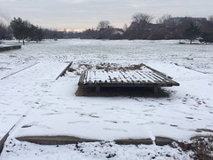 Ski und Rodel eher schlecht... (julia_HalleFotoFan) Tags: schnee hallesaale winter