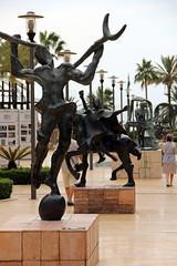 Marbella, Avenida del mar (michel.alain51) Tags: españa canon spain costadelsol dali espagne marbella canoneos60d eos60d