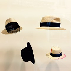 Eleganza Ticinese (anita.niza) Tags: summer tessin estate hats summertime lugano windowshopping eleganz iphoneography