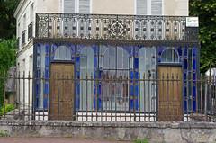 Preuilly-sur-Claise (Indre-et-Loire). (sybarite48) Tags: blue домой house france azul casa blauw blu dom bleu ev blau huis maison niebieski 青 mavi hause σπίτι hasiera indreetloire ホームページ синий 蓝色 回家 أزرق μπλε منزل preuillysurclaise