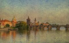Praga... bellísima!! (franma65) Tags: textura rio torre praga reflejos arcos cúpulas moldava puentedecarlos