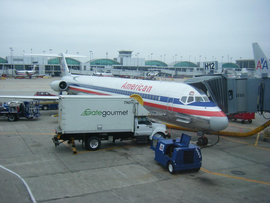 Resultado de imagen para American Airlines gate gourmet