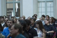 "Publikum im Kunstpalais • <a style=""font-size:0.8em;"" href=""http://www.flickr.com/photos/125048265@N03/20245636279/"" target=""_blank"">View on Flickr</a>"