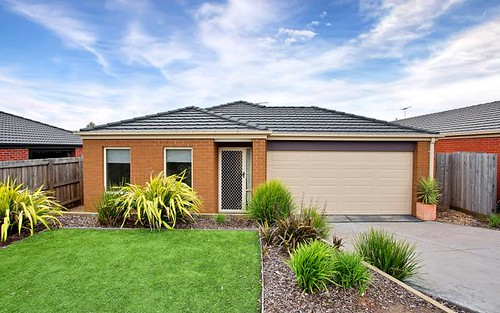 19 Maiden Dr, Sunbury VIC 3429