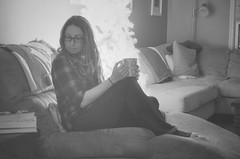 Wind Down (flashfix) Tags: december072016 2016 2016inphotos nikond7000 nikon ottawa ontario canada 40mm portrait selfportrait blackandwhite monochrome tree christmastree festive mug relax thingsstillnotpicturedjackalopes jackalopesnotconfirmed