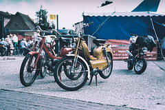 Flandria (marcducati) Tags: 35mm 35mmf20 35mmf20wr xt10 fuji fujifilm fujifilmxt10 fujinon kalken flandria honda dax hondadax candyred meeting outdoor old oldtimermeeting moped motorcycle oldmoped belgian belgium vintage retro hip hipster tent carnaval food drinks summer sunny sun ride yellow mustard red bordeaux xt1035mm chrome chroom shoei helmet st50 70s seventies