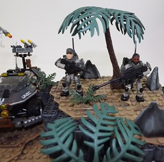 Rockets Away!!! (Nilbog Bricks) Tags: halo mega construx bloks moc minifigures minifig custom battlescape covenant unsc wars war battle alien