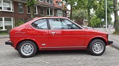 Suzuki SC100 GX (sjoerd.wijsman) Tags: zuidholland holanda olanda holland niederlande nederland thenetherlands netherlands paysbas carspot carspotting cars car voiture fahrzeug auto autos redcars red rot rood rouge suzuki sc100 suzukisc100 cervo suzukicervo jb30vl sidecode4