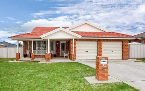 32 Nunkeri Street, Glenfield Park NSW 2650
