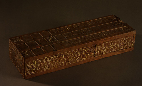 "Senet - Lujoso sistema de objetos lúdicos obsequio del dios Toht a la faraona Nefertari • <a style=""font-size:0.8em;"" href=""http://www.flickr.com/photos/30735181@N00/32399621891/"" target=""_blank"">View on Flickr</a>"