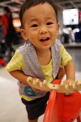 IMG_20150624_164520 (DeanMa1983) Tags: ikea perfect funny sony 台中 外出 木馬 晨晨 a6000 sel24f18z