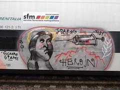 scarpe diem! (en-ri) Tags: girl train writing torino graffiti grigio head woc ragazza testa 1431 siringa eroin jdark