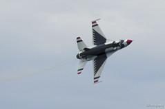Thunder (JBtheExplorer) Tags: show wisconsin air jet airshow f16 milwaukee thunderbirds airforce viper usaf lakefront mkeairshow