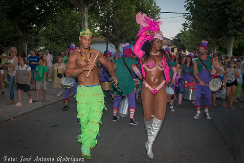 "Carnaval de verano 2015 • <a style=""font-size:0.8em;"" href=""http://www.flickr.com/photos/133275046@N07/20224421536/"" target=""_blank"">View on Flickr</a>"