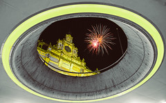 Happy New Year (Roberto Braam) Tags: happy new year 2017 groningen vuurwerk station fireworks night gelukkig nieuwjaar ns hoofdstation