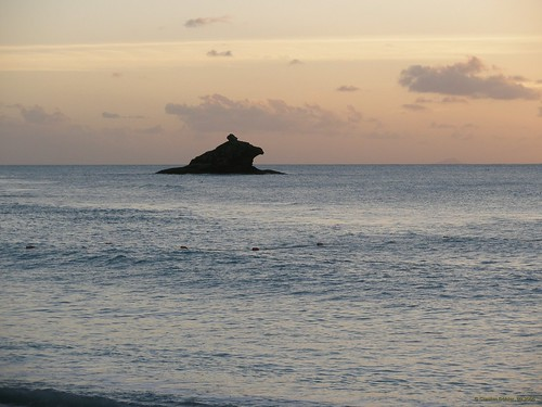 Hawksbill Bay, Antigua (Karibik) - Der Hawksbill vom Royal Palm Beach aus am Abend