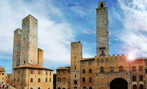 "Torres legendarias / Faros, minaretes, campanarios, rascacielos • <a style=""font-size:0.8em;"" href=""http://www.flickr.com/photos/30735181@N00/32493404186/"" target=""_blank"">View on Flickr</a>"