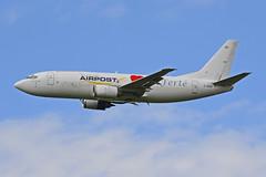 2015.05.24.299 LA FERTE ALAIS - Boeing 737-3H6.F (F-GIXS - cn.27847-2615) d'Europe Airpost (alainmichot93) Tags: france airplane ledefrance warbirds avion 2015 meetingarien essonne europeairpost lafertealais fgixs arodromedecerny boeing7373h6f