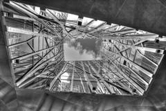 Grand Angle - Architecture et le ciel BW (BzhPaco) Tags: bw architecture noir noiretblanc negro hdr lorient grandangle 1020sigma