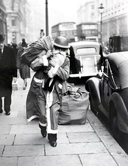 #Santa with a helmet delivering presents during the London Blitz, 1940 [700 x 906] #history #retro #vintage #dh #HistoryPorn http://ift.tt/2gN4ZRP (Histolines) Tags: histolines history timeline retro vinatage santa with helmet delivering presents during london blitz 1940 700 x 906 vintage dh historyporn httpifttt2gn4zrp