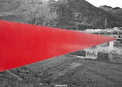 linearossa (MarcoAgustoniPhotography) Tags: passerella pratocarassogalbisio rosso red black white bianco e nero bellinzona ticino