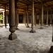 Mesquita Juma e suas 218 colunas de madeira
