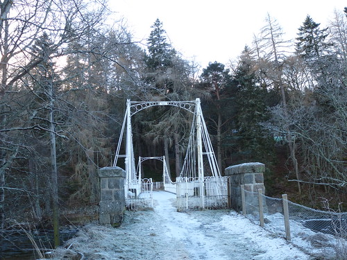 P1 Old bridge at Crathie