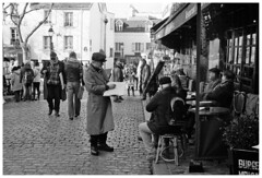 Montmartre VII (madras91) Tags: nb bw monochrome blackandwhite noiretblanc street streetphotography paris france montmartre leica leicam2 summaron summaron35mmf28