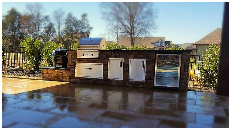 Custom Delta Heat Outdoor Kitchen, Harrison, Tn.