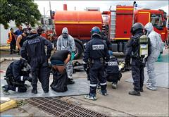 Exercice NRBC (stef974run) Tags: police raid samu sdis gendarmerie gpi bommert policenationale gipn fazsoi nedex fipn