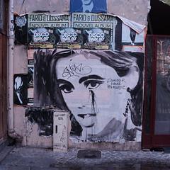 L'amour court les rues (jmvnoos in Paris) Tags: paris france court kevin fuji amour fujifilm rues 250 estelle jmvnoos lamourcourtlesrues x100t