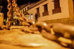 Villa Nocturno (Tato Avila) Tags: colombia boyacá villadeleyva colores cálido casas noche nocturnos nocturno cadenas piedras