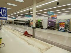 Former Meijer Columbus, Ohio (Nicholas Eckhart) Tags: america us usa retail stores ohio oh former meijer hypermarket supercenter bigbox liquidation