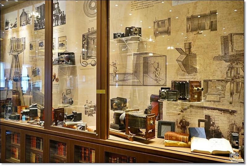 32481251646 5255d97472 c - 『熱血採訪』台中東區 CUCLOS Cafe & Kitchen 馥樂詩輕食餐廳/新天地西洋博物館-一起走入文藝復興時期的古典歐洲之旅,造訪台中最美麗古典優雅的圖書館餐廳
