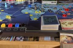 Ocio alternativo (02/52) (Roberto Tovar) Tags: juegodemesa pandemia infecciones tabletopgame pandemic infection dof 50mm focalfija leon spain es