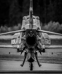 hotendbw (Pingo2002) Tags: canon sweden hawk airshow 7d sverige airforce reds bae redarrows raf vxj 100400 displayteam flygkalaset