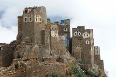 yem_0270 (Peter Hessel) Tags: yemen haraz traditionalarchitecture traditionalhouse jemen harazmountains aljumah