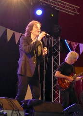 005 Glastonbury  The Zombies (c.richard) Tags: festival livemusic bands glastonburyfestival avalon eavis worthyfarm thezombies colinblunstone isleofavalon rodargent glastonbury2015
