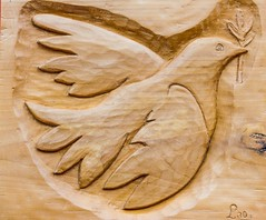 Envol (flight) (Larch) Tags: bois wood sculpture oiseau bird colombe artisanat crafts saintours aoste italie italia italy envol flight carving dove