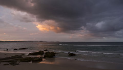 Kirra Sunset (bobarcpics) Tags: coastline queensland australianbeaches kirra rocks foreshore horizon panorama
