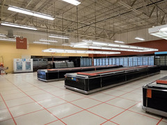 Frozen and Bakery... (Nicholas Eckhart) Tags: america us usa former finast tops friendlymarket gianteagle supermarket retail stores cleveland 2017