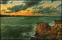 - MAR BRAVA - (Tomas Mauri) Tags: marbrava peñiscola mar rocas peñiscolacastellon españa europa bravesea marverde sony naturaleza paisaje sueños dreams agua nube cielo océano