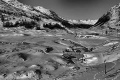 trenino del Bernina (1laura0) Tags: trenino bernina saintmoritz tirano lago bianco pizpalù valle neve ghiaccio incanto favola freddo colori sole ghiacciaio passeggiate weekend