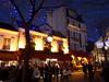 Place du Tertre (Toni Kaarttinen) Tags: parís paris parizo pariisi párizs parigi パリ parijs paryż париж 巴黎 frança frankreich francio francia ranska france צרפת franciaország フランス frankrijk francja franţa франция frankrike 法國 iledefrance parisian sunset montmartre night evening sacrécœur place du tertre placedutertre plaza artists lights cafe atmospheric