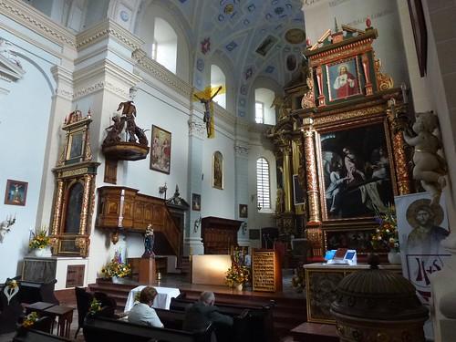 Prezbiterium kazimierskiej fary z południowego wejścia