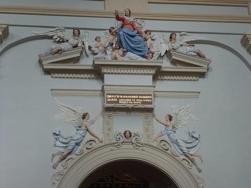 Zwieńczenie portalu kaplicy Różańcowej w kazimierskiej farze