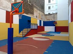 Paris - 2015 (Hanoi1933) Tags: france building basketball architecture facade court painting exterior basket modernart peinture extrieur btiment pigalle 2015 parisstreetart terraindebasket pariswallart