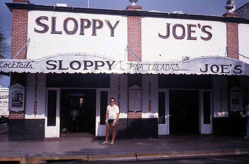 Willie at Sloppy Joe's, Key West, Florida